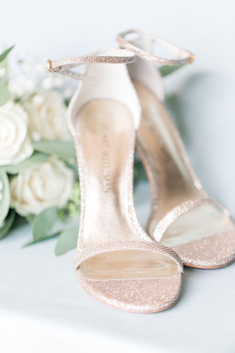 b027afa3014 This Wedding Needs No Fixin  Up... It s Downright Joanna Gaines ...