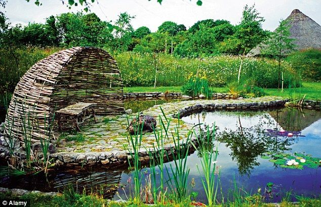 Ten of the greatest landscape designers by diarmuid gavin for Best landscape designers