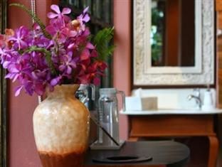 Yesterday Hotel is Boutique Hotel on Nimmanhaemin road, Chiangmai THAILAND   www.yesterday.co.th Tel. +66 61-492-7110