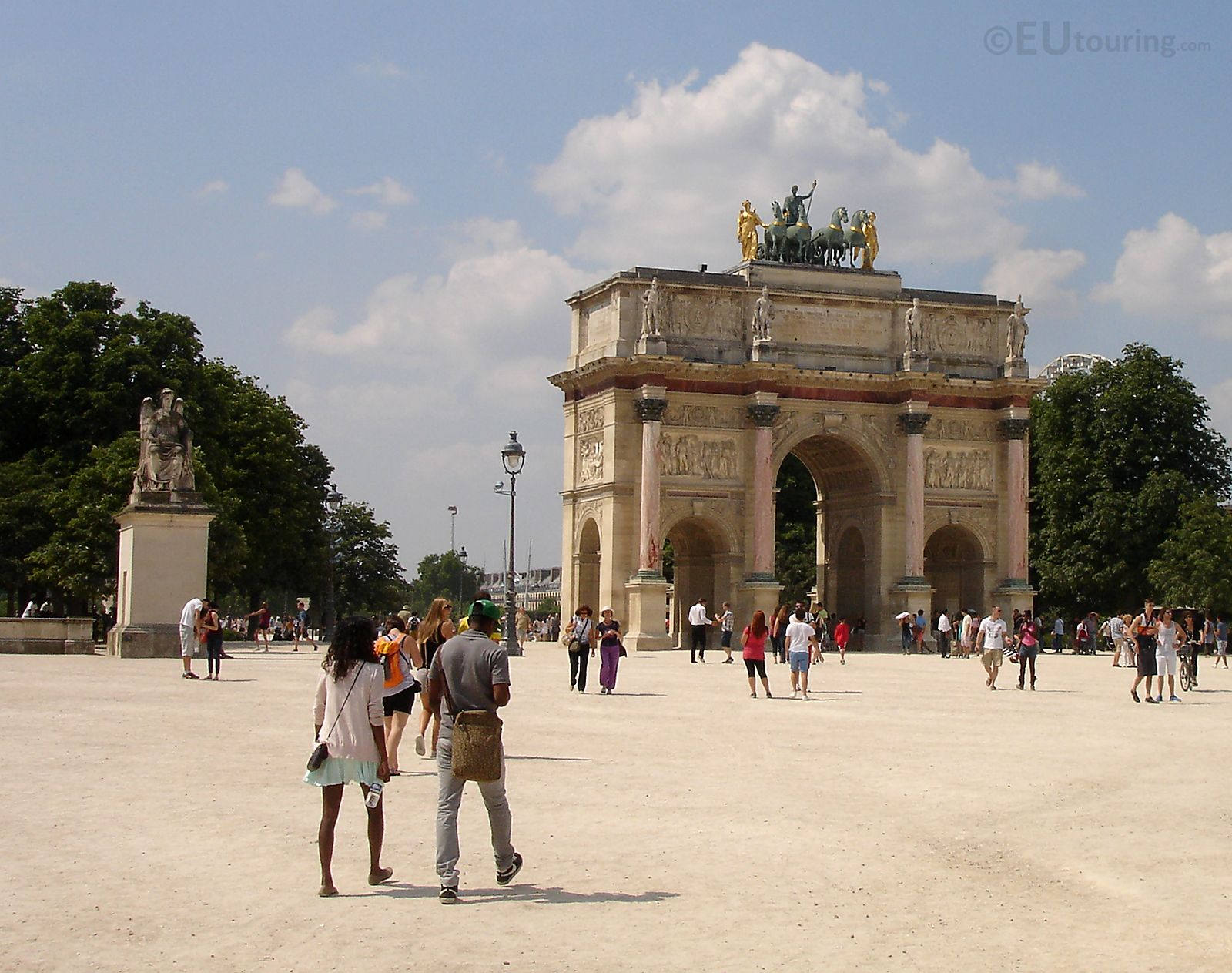 The Arc De Triomphe Du Carrousel Is A Triumphal Arch Found In