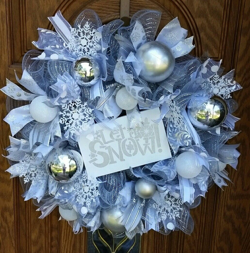Christmas Winter Silver And White Deco Mesh Wreath With Let It Snow Sign Deco Mesh Christmas Wreaths Christmas Mesh Wreaths Christmas Wreath Designs
