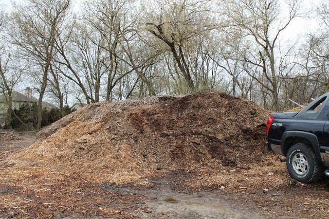 Where to Get Free Mulch ~ Simple Suburban Living