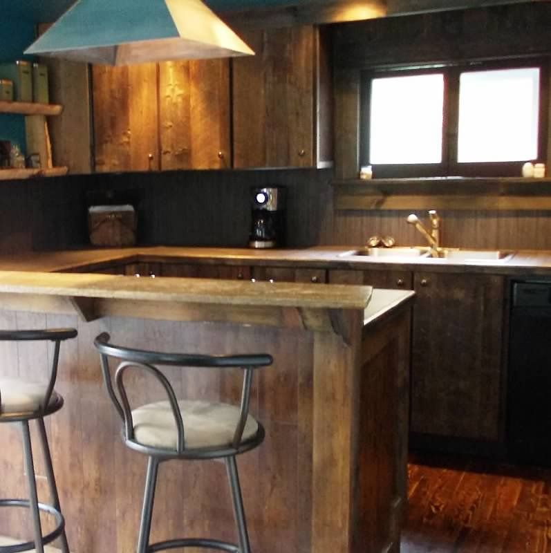 Rustic Kitchen   Reclaimed Barn Board Wood Cabinets (With ...