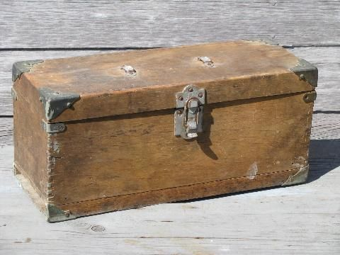 Antique Wood Carpenter S Tool Boxes Two Vintage Woodworking Tool Chests Antique Woodworking Tools Woodworking Tool Cabinet Woodworking Tools Storage