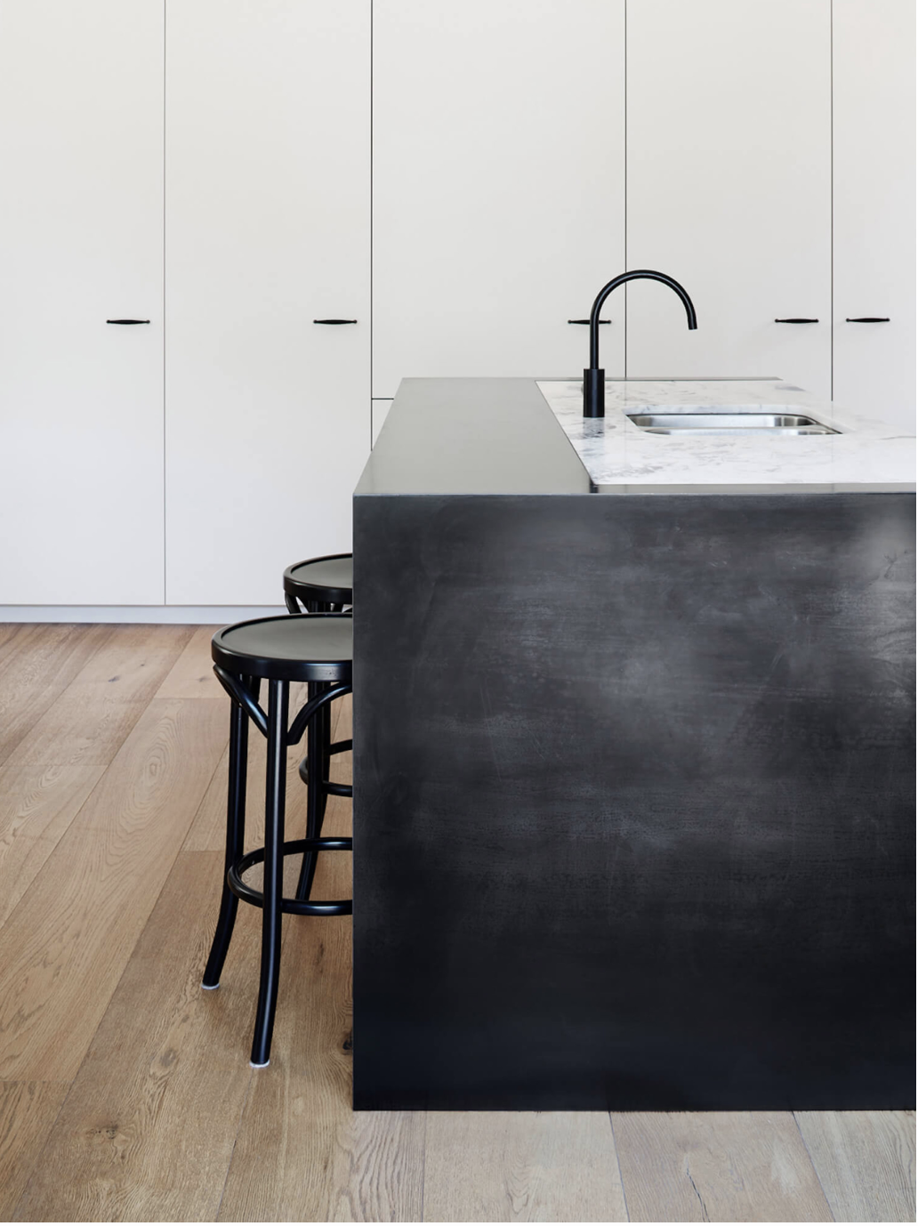 5 New Kitchen Trends We Re Seeing And Loving And Some We Re Doing Right Now Kitchen Trends Kitchen Pictures Kitchen Installation