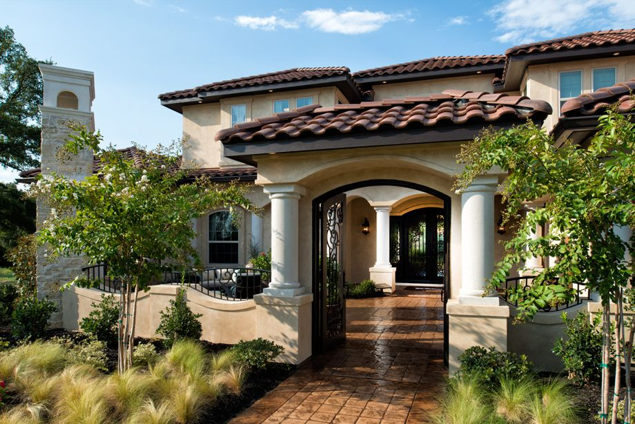 Toll brothers at latera tx main entrance homes the for Courtyard homes