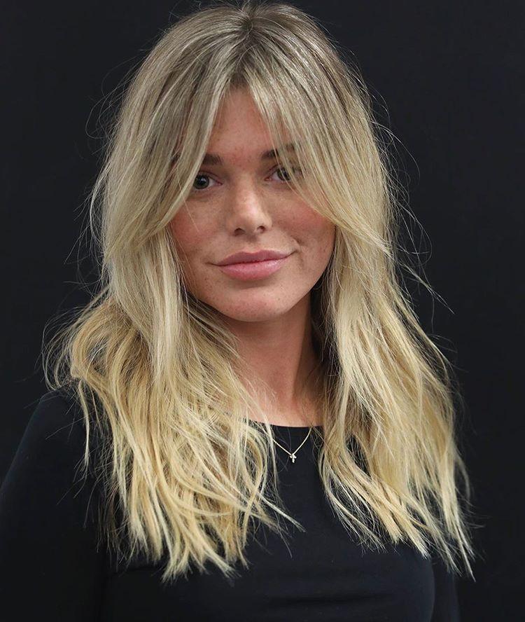 Die Moderne Shag Frisur Ist Schon Lassig Und Elegant Zugleich In 2020 Haarschnitt Shag Haarschnitt Haarschnitt Lange Haare