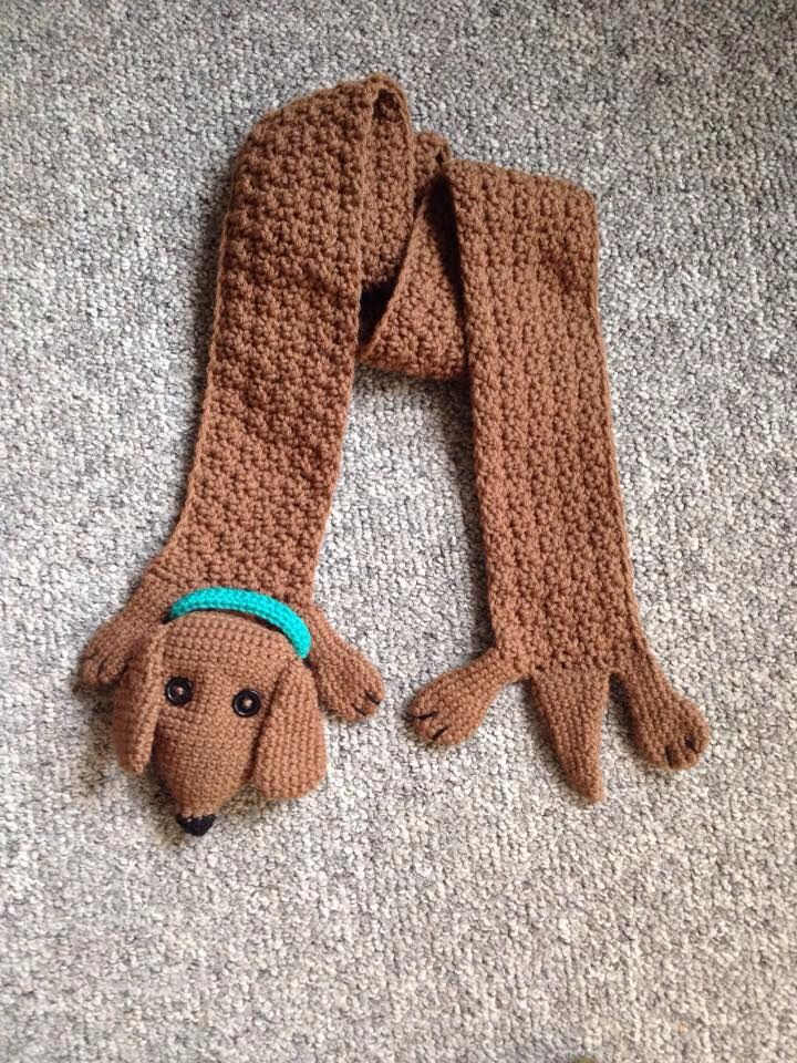 Saw this #dachshund scarf on FB...wonder if I could develop a ...