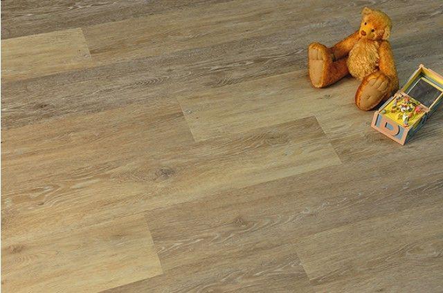 Lvt Mica Nativa Lvt Looks And Feels Like Real Oak Hardwood Flooring Without The Natural Occurrences That Can Co Oak Hardwood Flooring Oak Planks Vinyl Flooring