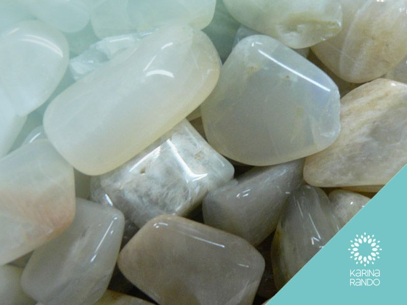 La Piedra Luna Y Sus Propiedades Uñas Con Piedras Propiedades De Las Piedras Piedra De Luna