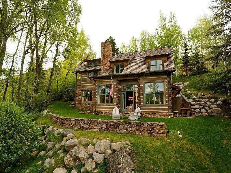 Underground Home That Doesn T Look Like It Is House In The Woods Earth Sheltered Homes Underground Homes