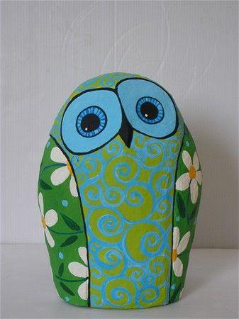 Papier mach owl spring green azul diy manualidades for Diy paper mache owl