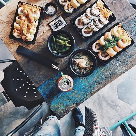 🇯🇵 food ❤️ @sushiyakuza Hoy toca comer japo. Os he dejado unos detalles foodie en Stories 😋 #foodie #maki #instafood #BDeli #instagram #instadaily #instagood #instalike #lifestyle #barbaracrespo