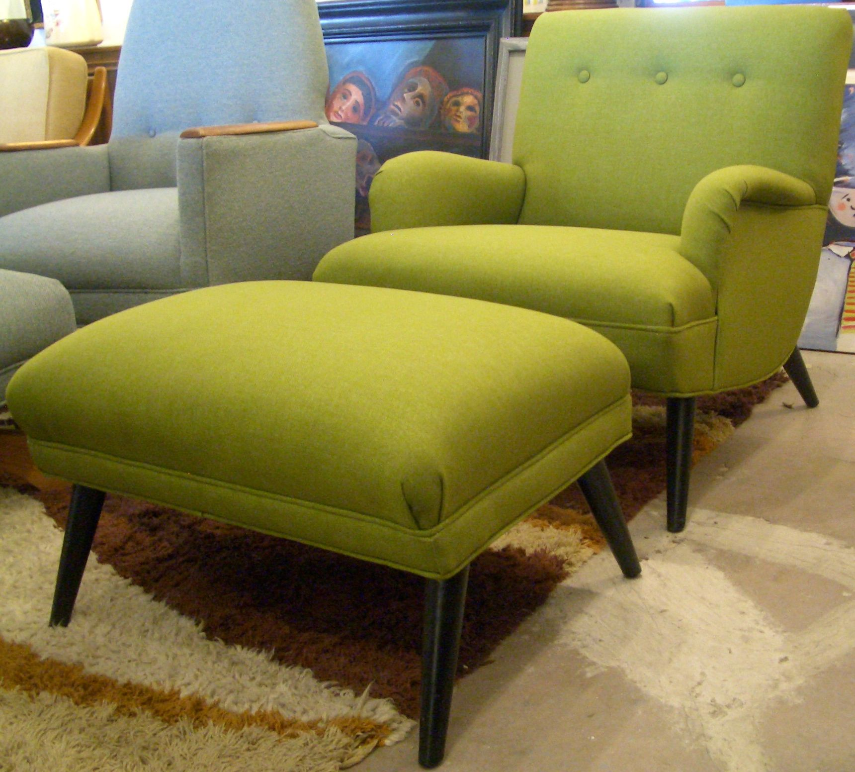 Green Contemporary Lounge Chair