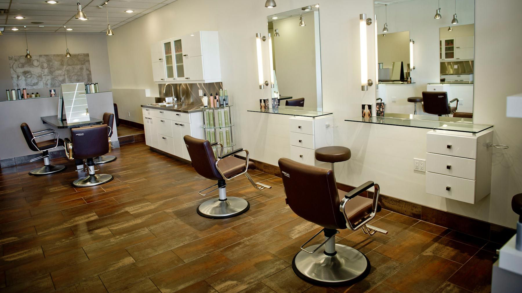 Modern Hair Salon Decorating Ideas  Hair salon decor, Salon decor