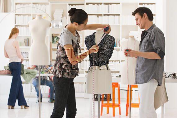 Resultado De Imagen De Fashion Designer Working Diploma In Fashion Designing Business Fashion Fashion Design
