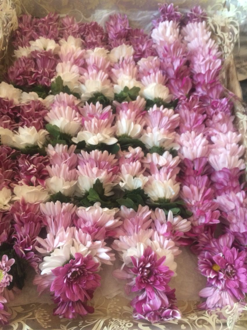 Chrysanthemums Pink Theme Pooja Garlands Flower Garland Diy Flower Garland Wedding Garland Wedding Decor