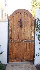 Port n de madera maciza para garajes y jardines de hierro - Puertas de madera para jardin ...
