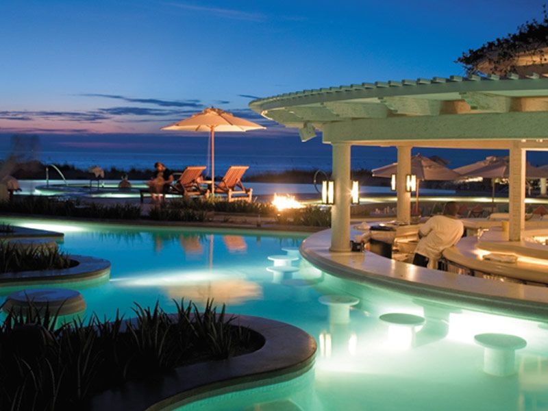 18 Resorts And Hotels With The Most Amazing Swim Up Bars Turks