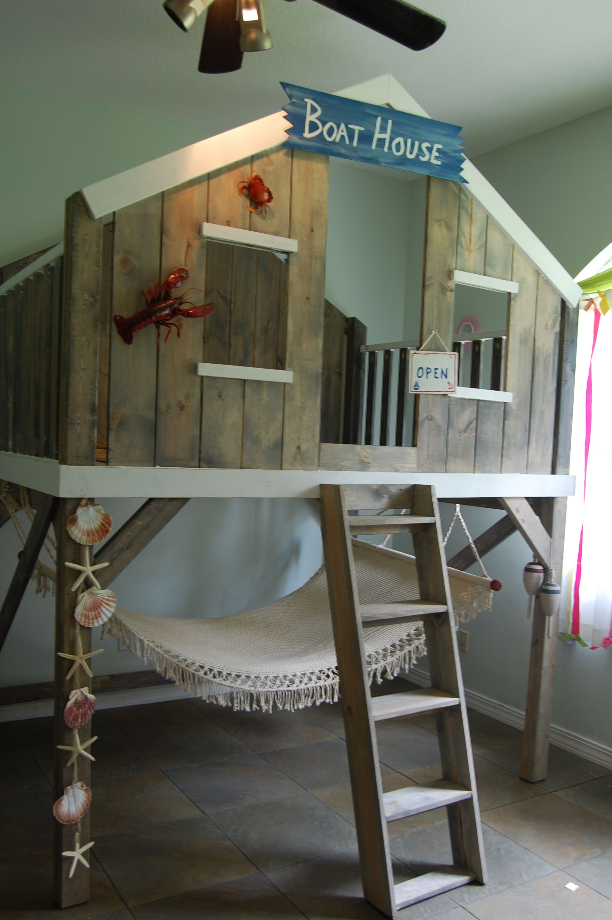 Tara's new loft bed....custom designed and built to fit a queen mattress.  Love it!