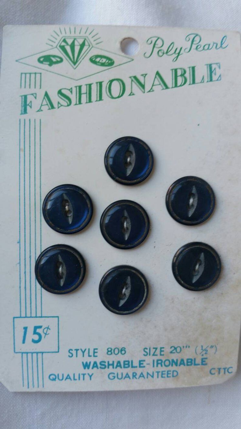 Fashionable buttons vintage buttons carded buttons set of
