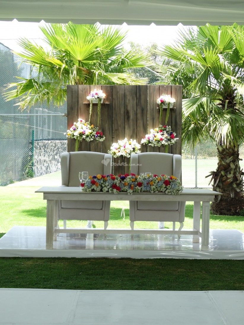 Yard wedding decoration ideas   mesas presidenciales  Ideas para Wedding and Sweetheart table