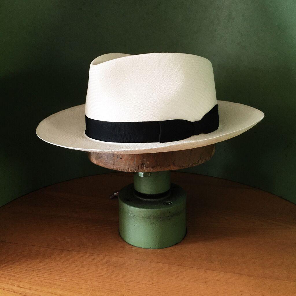 ed37a5809 Pin by Tony Alcaraz on los tapitas in 2019 | Hats, Panama hat men ...