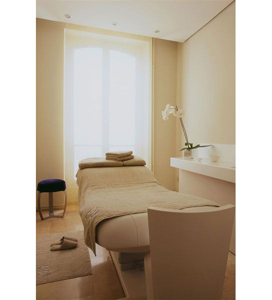 facelift facials facial and beauty advice. Black Bedroom Furniture Sets. Home Design Ideas
