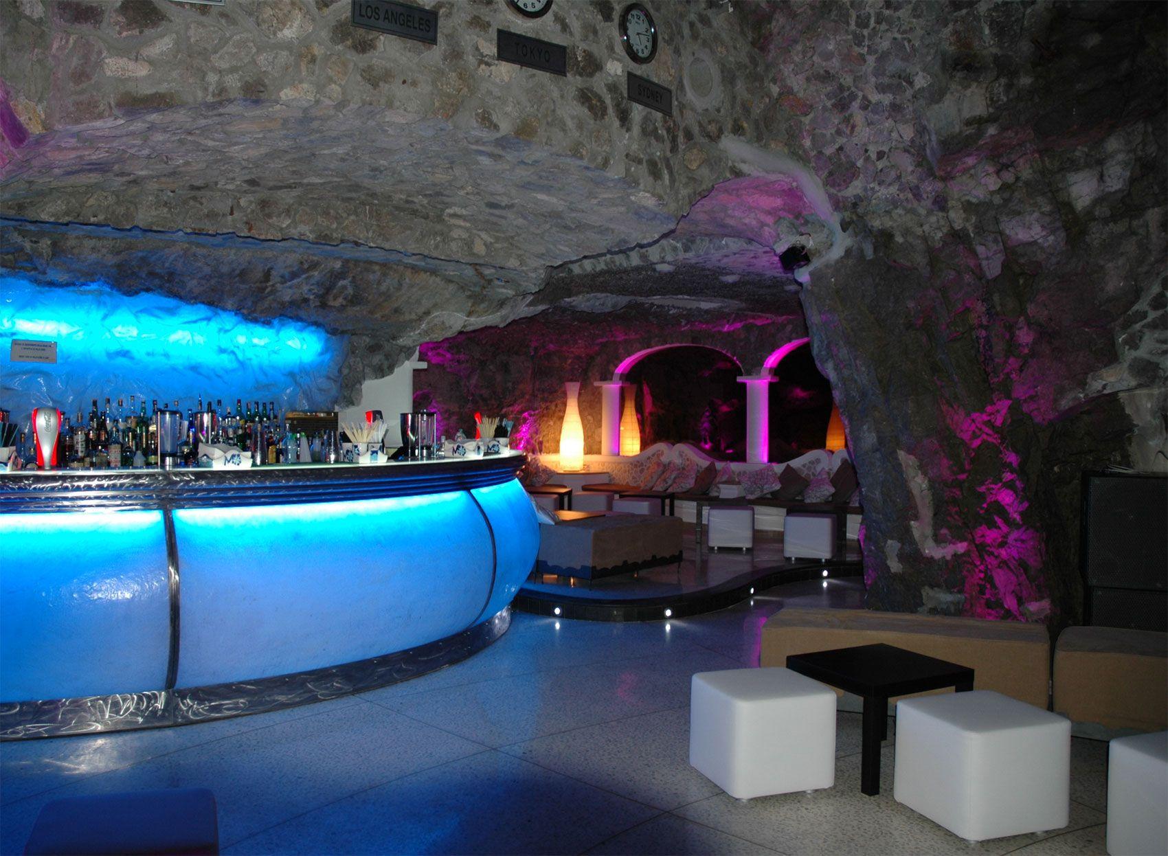 the historic tavernaAnema and Core Capri, meta evenings of numerous ...