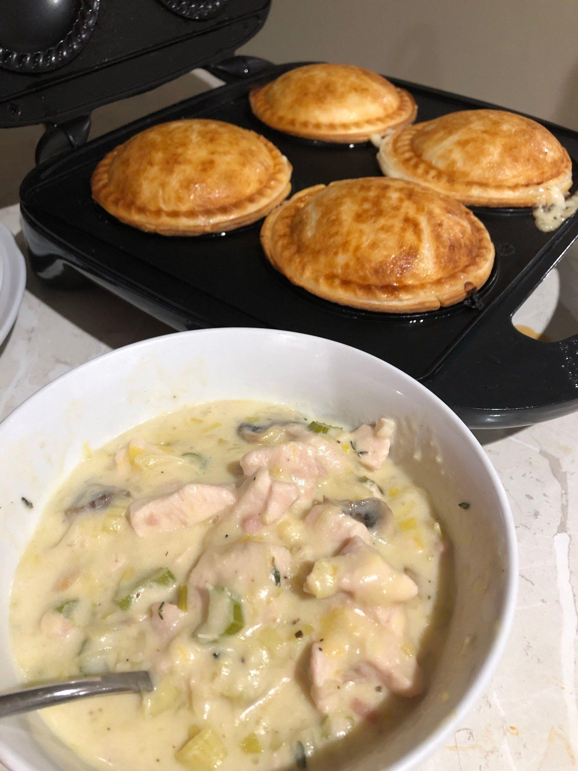 Creamy Chicken Leek Bacon Mushroom Pies Foodie Mumma Ren Chicken And Leak Pie Chicken And Leek Pie Bacon Stuffed Mushrooms