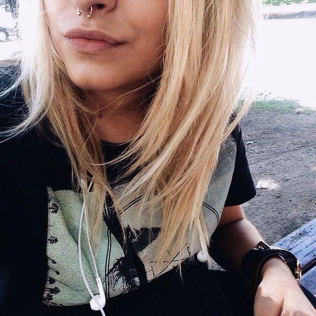 pinterest: • d a n a •                                                                                                 Piercings & tats ♡