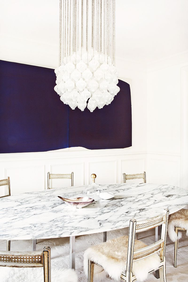 This Amazing Home Is A Lesson In Sophisticated Décor Marble Tablesmarble Top Tablelighting Ideasdining