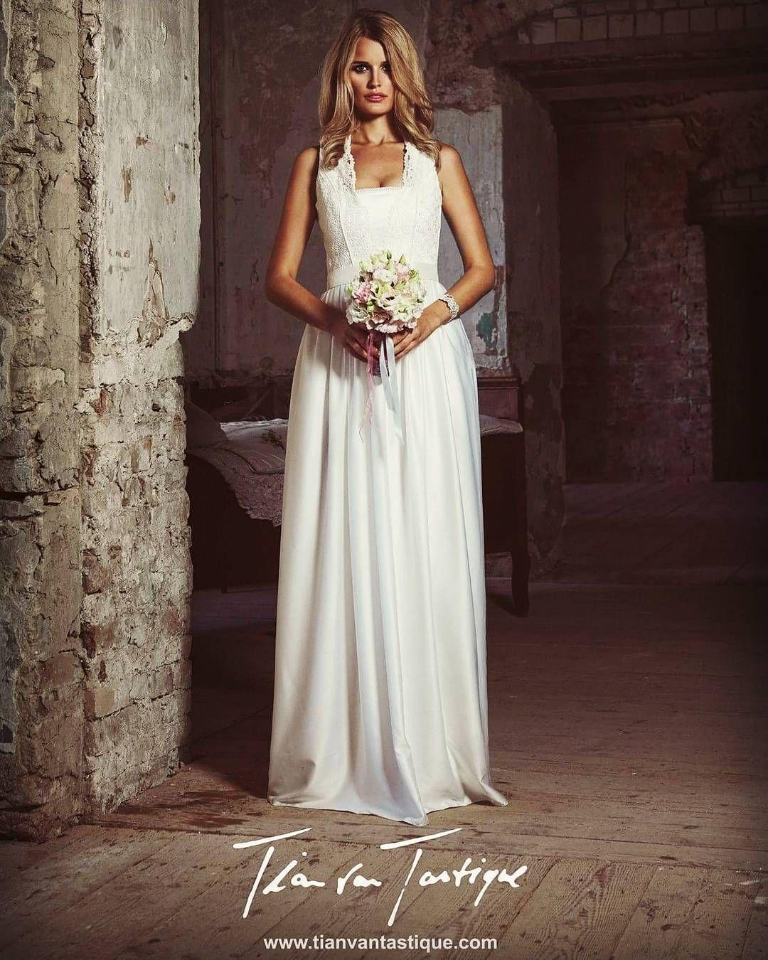 modernes Brautdirndl in bodenlang für die romantische