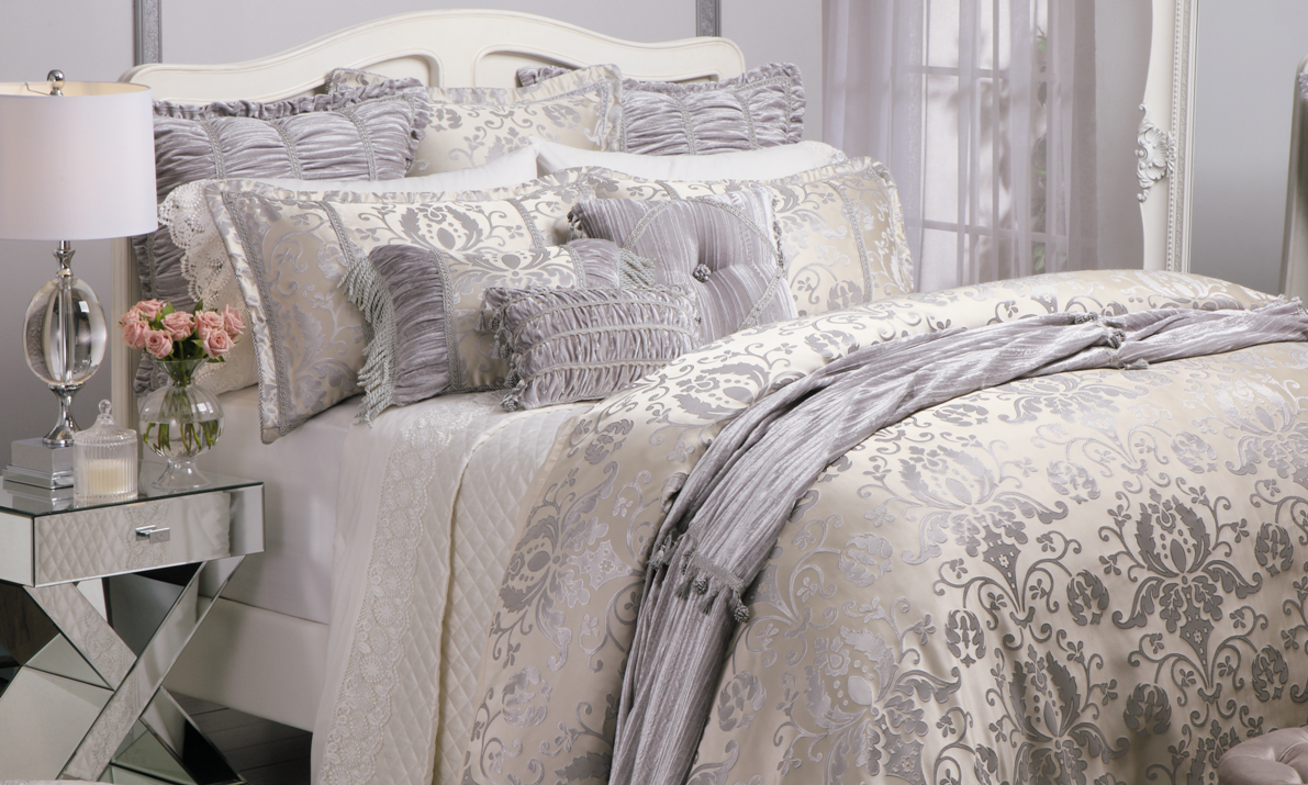 Bordeaux Champagne Bed Linen by Da Vinci from Harvey