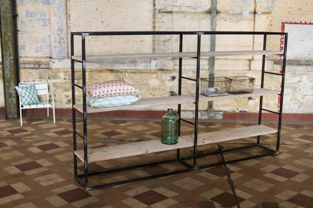 Pure industriele kast ruw staal steigerhout pure wood design meubilair pinterest met - Planken maken in een kast ...