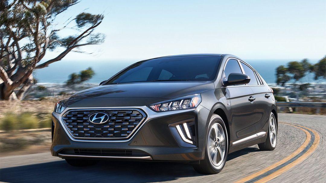 Hyundai Ioniq Plug In Hybrid Love To Plug In In 2020 Hybrid Car Hyundai New Hyundai