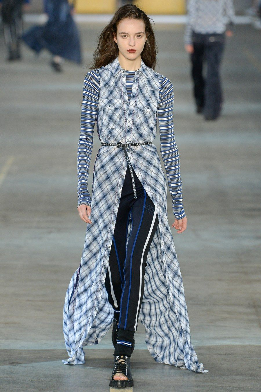 Fashion week Black diesel gold spring runway for lady