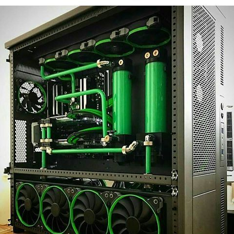 Awesome build by @jayztwocents! Cant get over its beauty