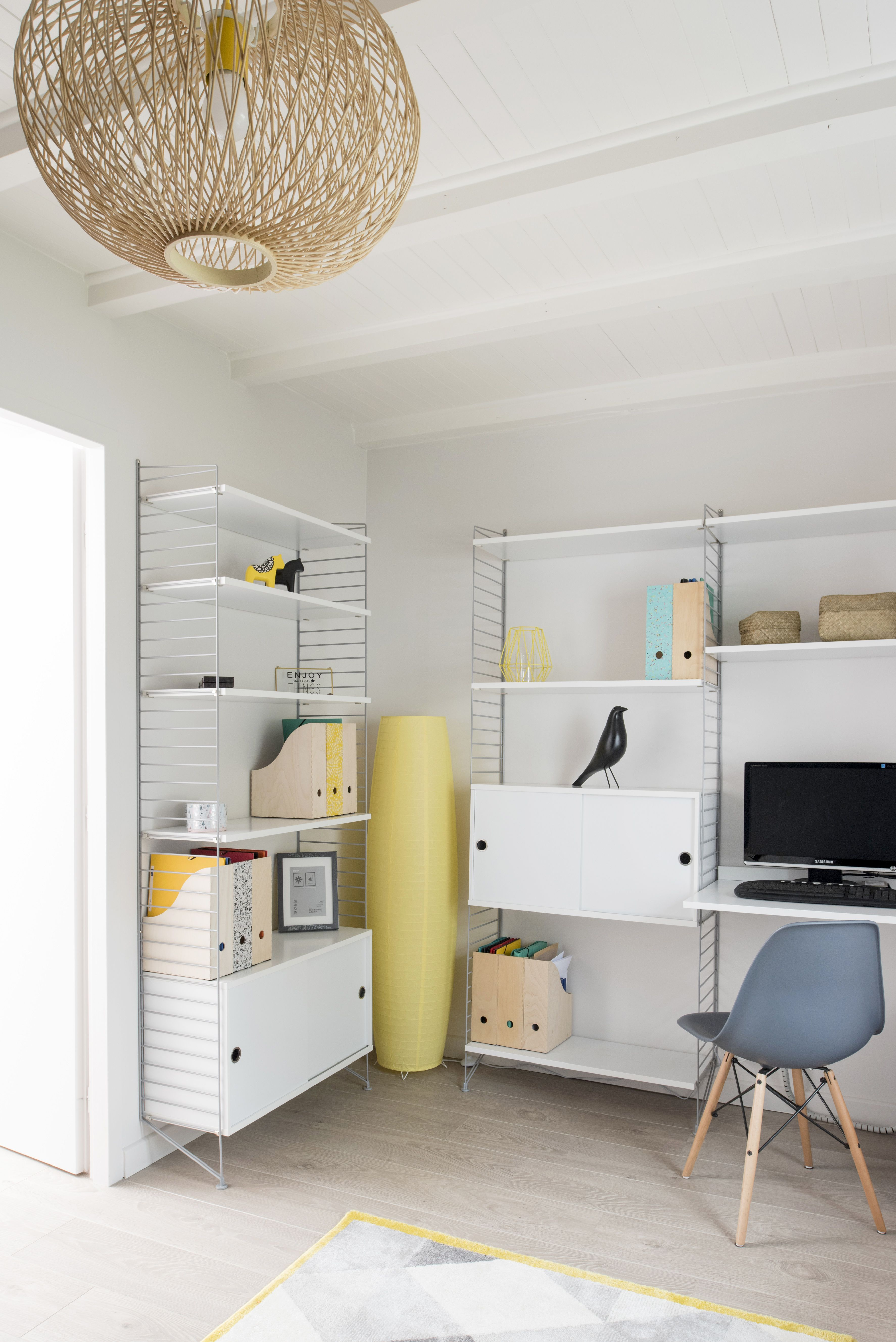 Bureau Avec Multiples Rangements Design Et Modernes Dans Une