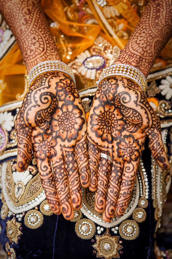Indian Wedding Reception Photography With Traditional Indian Mehndi