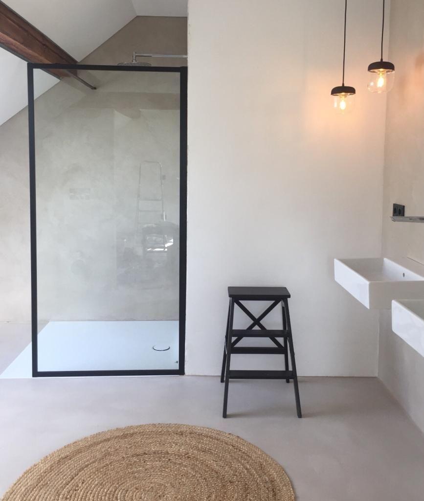 Béton Ciré Badezimmer - Concrete Bathroom