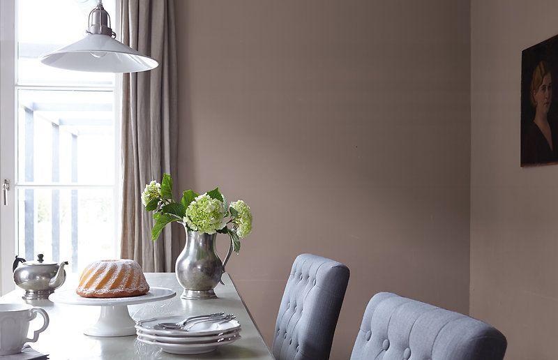 Gesellige, warme Atmosphäre am Esstisch. Welche Farben passen noch ...