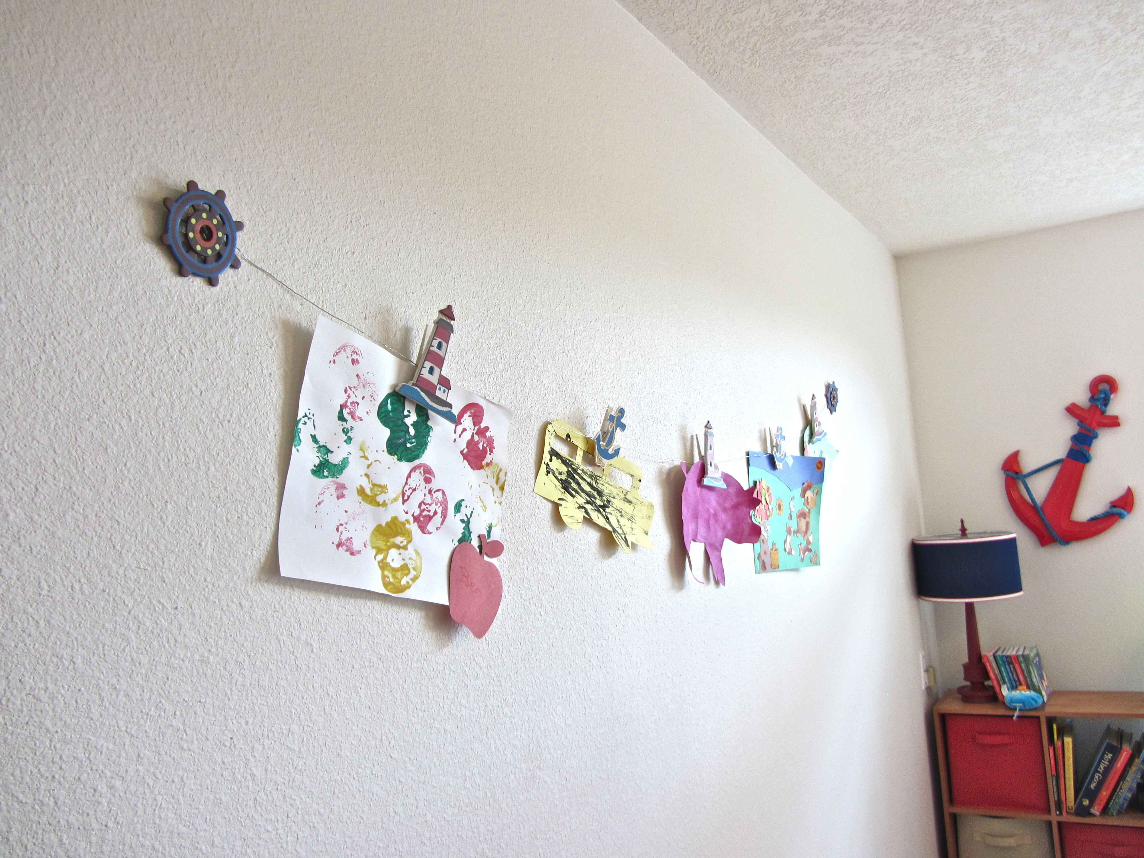 Diy Clothesline Art Display Artwork Display Displaying Kids