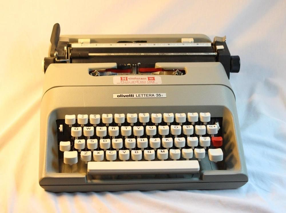 olivetti lettera 35i vintage portable manual typewriter hipster gift rh pinterest com Olivetti Calculator Olivetti Typewriter Manual