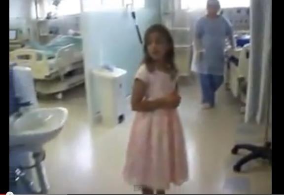 Menina  canta em UTI de Curitiba e emociona funcionários
