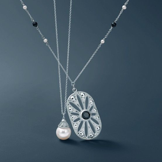 Ziegfeld Collection Pearl And Daisy Pendants