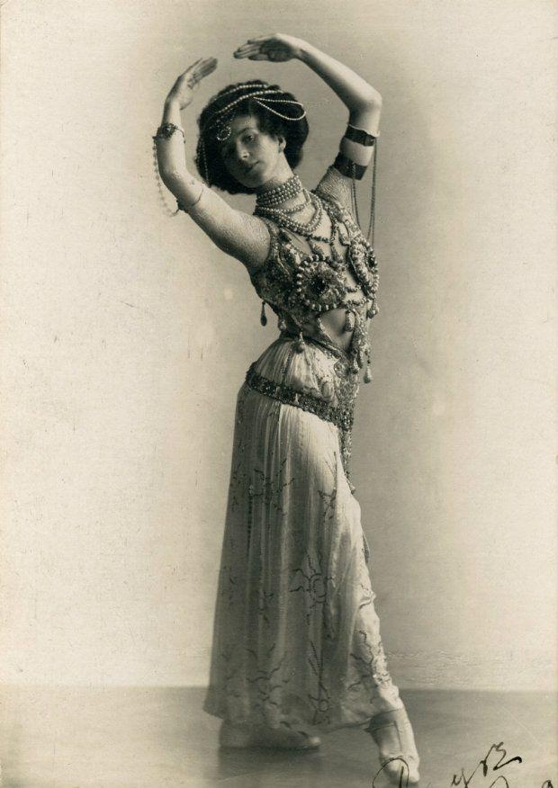 Margaret Taylor, 1908