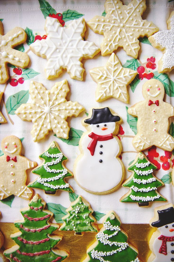 These Eggnog Sugar Cookies are as delicious as they are cute. Look at the way they are iced! So precise & so beautiful. Perfect for any Christmas Party!