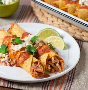 Enchiladas de frango com molho de amendoim