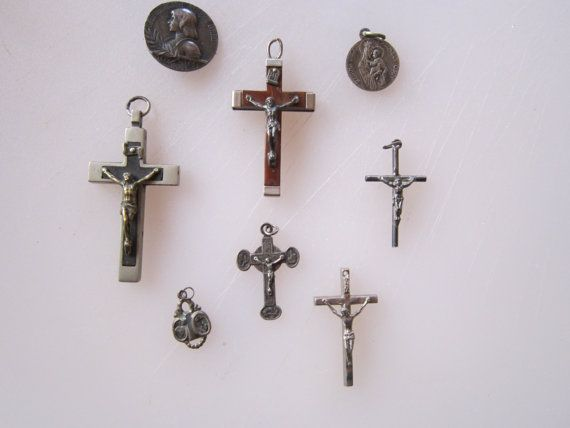 REDUCED 8 pieces Antique and vintage by Penelopeslinenloft on Etsy, €14.00